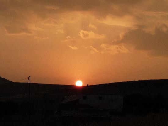 Gite Nerrahte: romantic sunset
