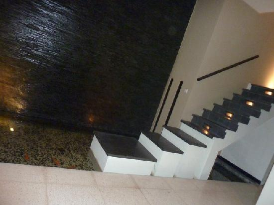 Alam Warna: Stairs to go upstairs to the bedroom