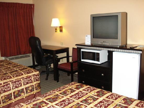 Scottish Inn Allentown: Room
