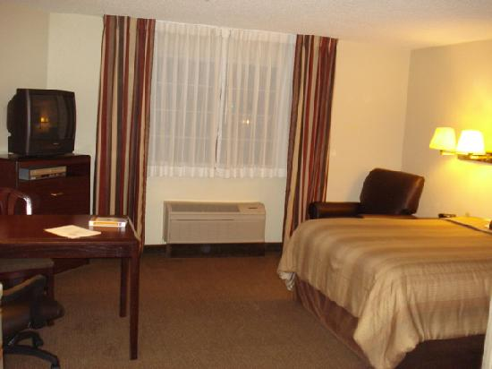 Candlewood Suites Somerset: Bed