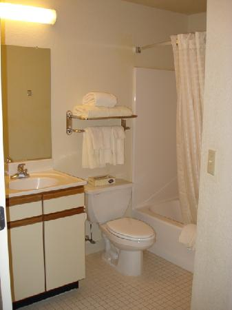 Candlewood Suites Somerset: Bath