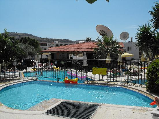 Evi Studios : View from Children's pool