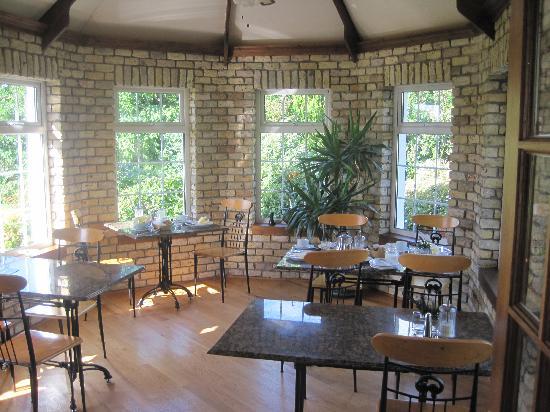 Ashfield House: breakfast room