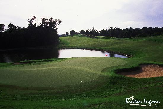 Bintan Lagoon Resort Golf Club: Ian Baker-Finch Woodlands Course Signature Hole 13