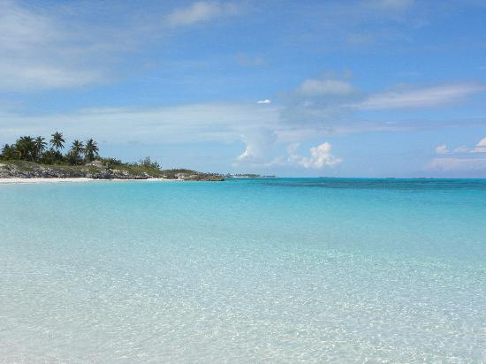 Great Exuma: the water is beautiful