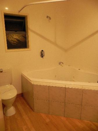 White Island Rendezvous: bathroom
