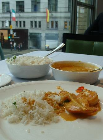 Salam Bombay : Camarão ao moho de coco e curry