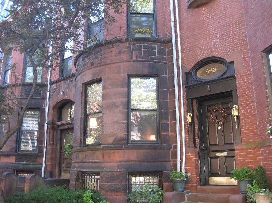 463 Beacon Street Guest House: Entrance