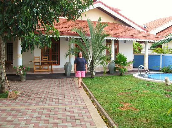 Serendib Guest House: my home in Negombo...nah! Serendib Guesthouse...but, we were more then at home! Gracious,graciou