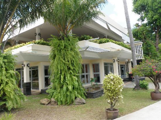 Phuket Sea Resort : Maalai Resort Reception and open air restaurant