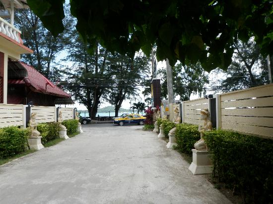 Phuket Sea Resort: Maalai Resort entry to hotel