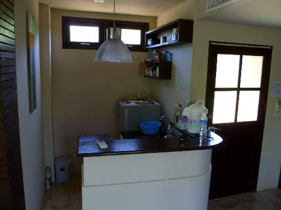 Baan Kao Hua Jook Villas & Apartments: Kitchenette area again
