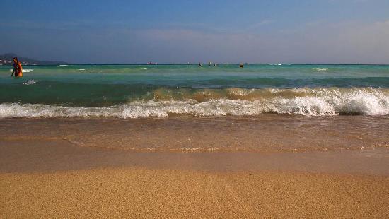 Grupotel Los Principes & Spa: Stunning shallow sea