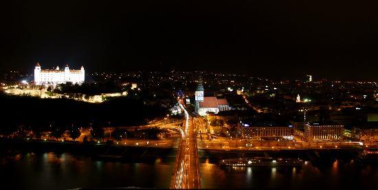 UFO Observation Deck: Bratislava vista dall'Ufo