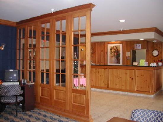 The Inn at St. Ives: Front Desk Area