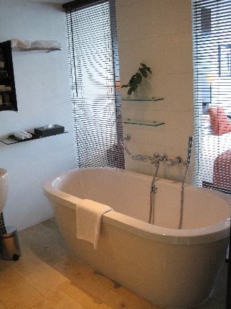 Bathroom Picture Of Hyatt Regency Dar Es Salaam The Kilimanjaro