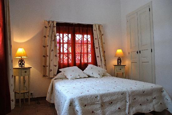 Barros de Luna: chambre Andalucia