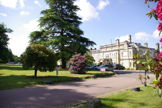 Chilworth, UK: Arrival at the Manor