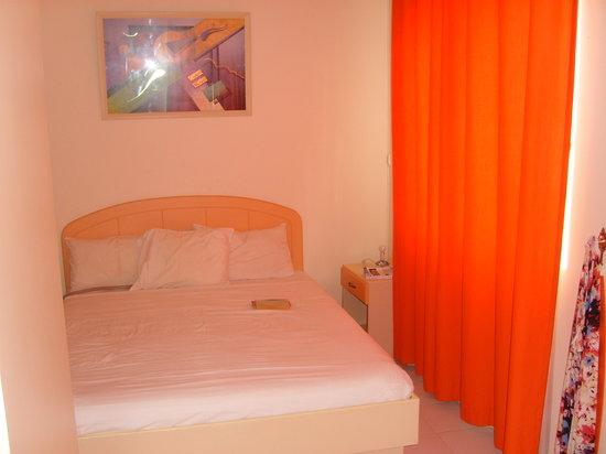 Acacia Holiday Apartments : chambre1