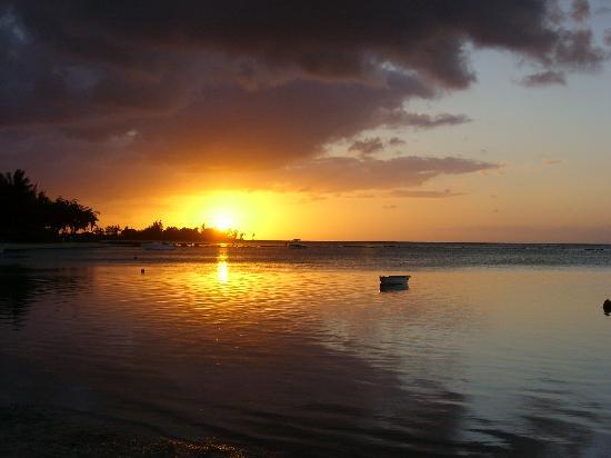 Acacia Holiday Apartments : la plage à 150 m