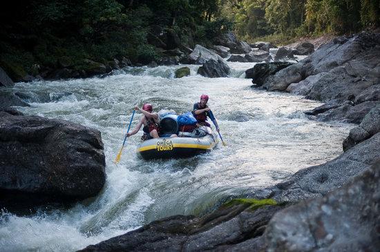 Omega Tours: rafting the rio platano