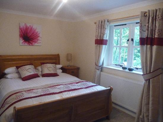 Penhaven Country House Hotel: Very comfortable Master bedroom with ensuite