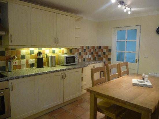 Penhaven Country House Hotel: Kitchen/dining area with plenty of space