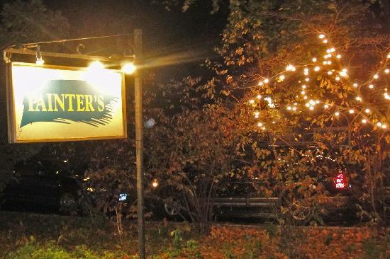 Painter's Inn : Sign