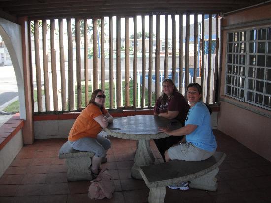 Luquillo Sunrise Beach Inn: The Patio