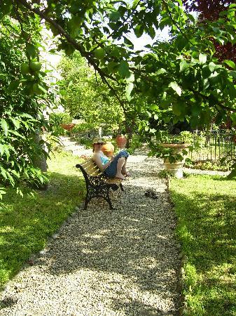 La Limonaia courtyard