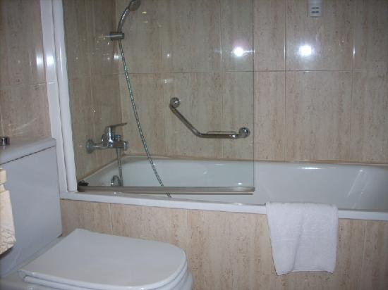 Tryp Valladolid Sofia Parquesol Hotel : Lavabo