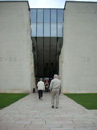Caen, France : The entry reminds one of Egyptian temple gates