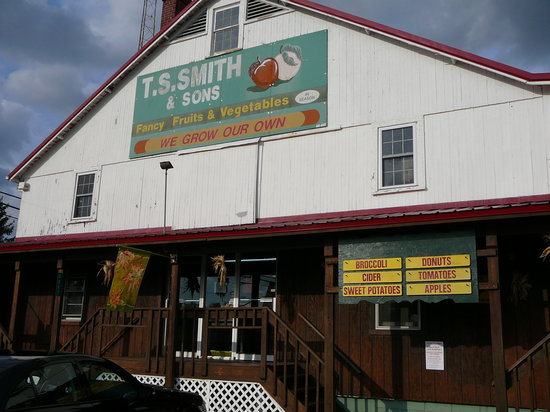 Bridgeville, DE: Exterior of T.S. Smith's