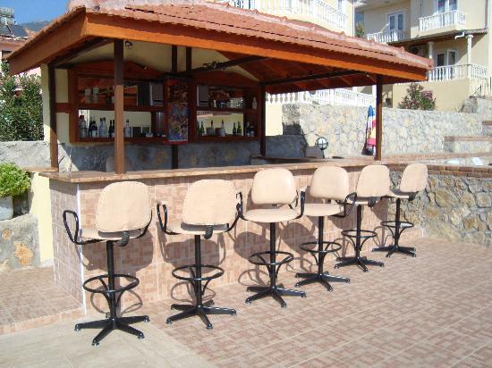Kaya Apart Hotel: Pool Bar