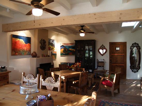 Casa Cuma Bed & Breakfast: Breafast room in the winter