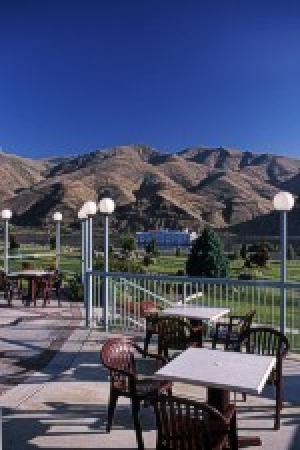 Quality Inn & Suites Conference Center: The only thing we overlook, is the Snake River.
