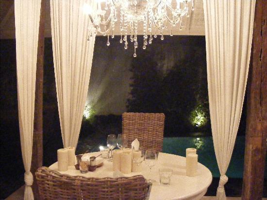 Oazia Spa Villas: The Dining Table
