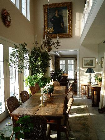 Hidden Valley Bed & Breakfast: Dining Room