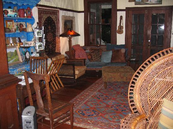 Hale Ho'okipa Inn Makawao: Sitting room