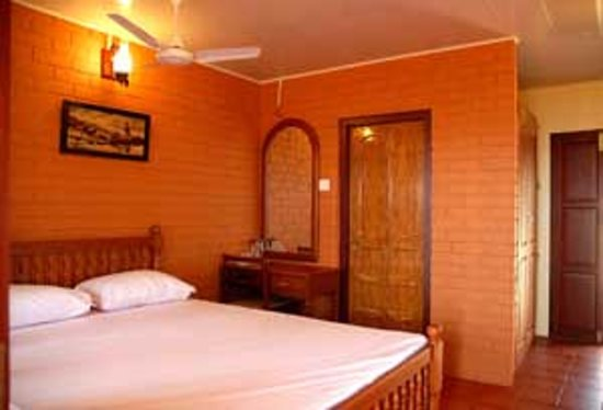 Asokam Beach Resort: Non AC Room