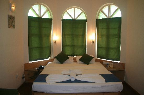 """Varca Palms Beach Resort: Our """"upgraded"""" room in the 500 block"""