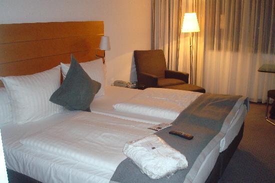 Dorint Pallas Wiesbaden: Bed Rroom
