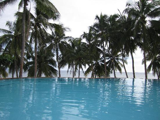 Anda White Beach Resort: Infiniti Pool