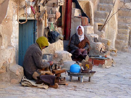Tataouine, Tunisie : gli anziani