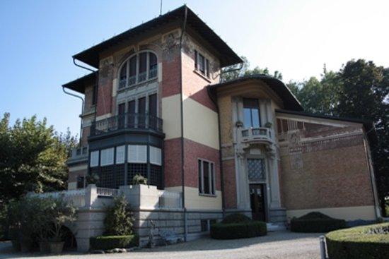"""Modena, Italia: Exquisite example of Emilia Romagna """"liberty"""""""