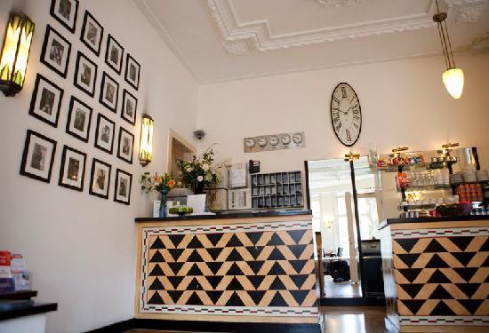 Quentin Amsterdam Hotel: Reception