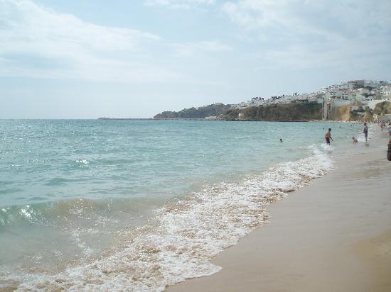 Residencial Capri: beach, walking distance.