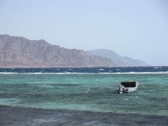 Dahab, Egipto: Desert meets sea