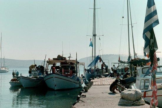 Pantelis Marathi Island Resort: The dock at Marathi