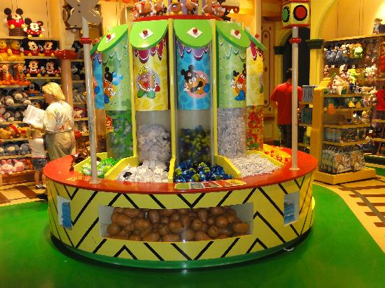 Disney's Grand Californian Hotel & Spa: Mr. Potato Head Station
